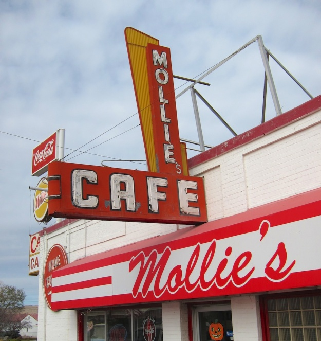 A true, old-fashioned diner, off the interstate in Snowville, Utah