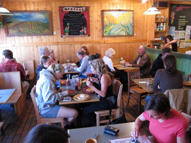 A full house for breakfast at Winona's Restaurant & Bakery