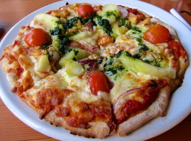 Chicken and apple: a great pizza combo at Rocky Mountain Flatbread