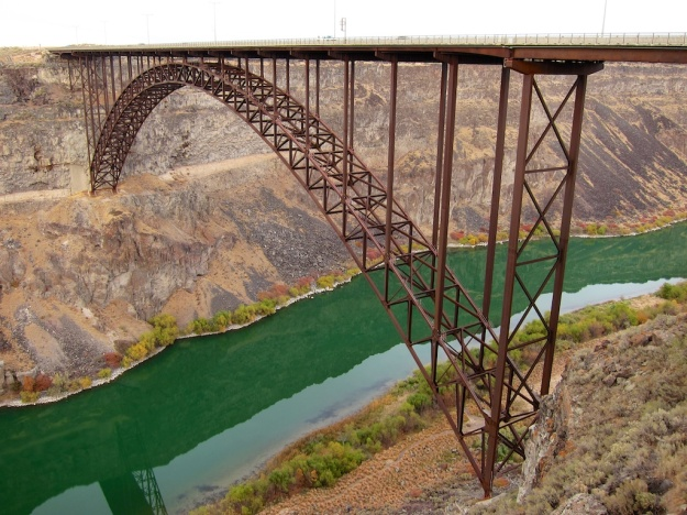 Spectacular Snake River Gorge in Twin Falls, Idaho. Can't think of any other western U.S. city that can match this view