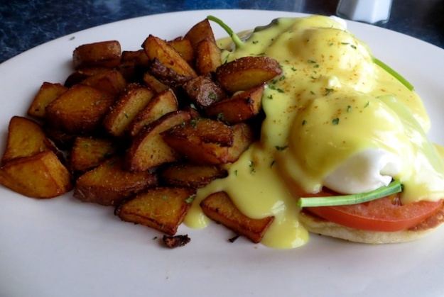 My benny was smothered in Hollondaise, with some nice, grilled new potatoes
