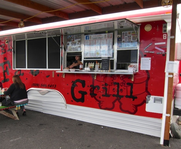 El Fat Cat Grill is a big step beyond your typical taco truck