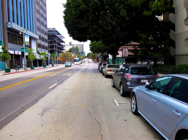 Plenty of downtown street parking Sunday morn. The cost? Nada