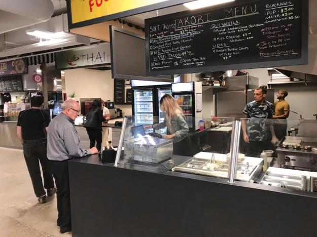Avenida Food Market 2