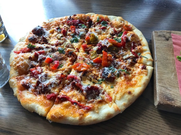 Round Table Pizza Winnemucca.Marathon Mouth Great Road Trip Eats In Western U S And Canada
